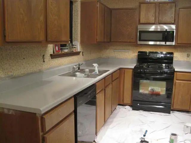 厨房用护墙板好不好 用上它不用打玻璃胶还可减少卫生死角